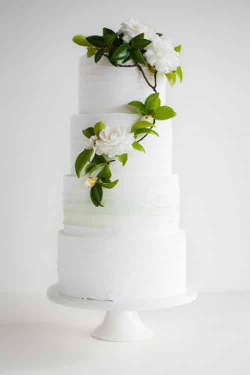 wedding cake avec branche qui monte