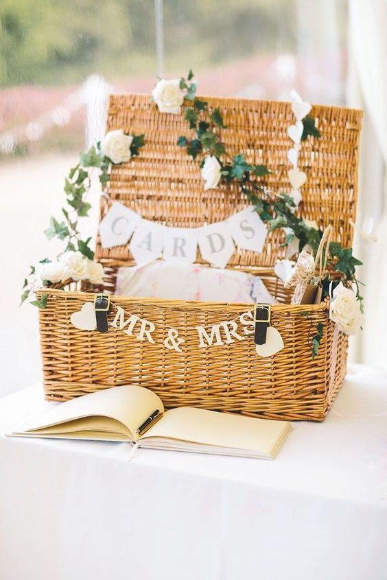 10 id es champ tres pour glisser des objets en osier dans votre d coration de mariage. Black Bedroom Furniture Sets. Home Design Ideas