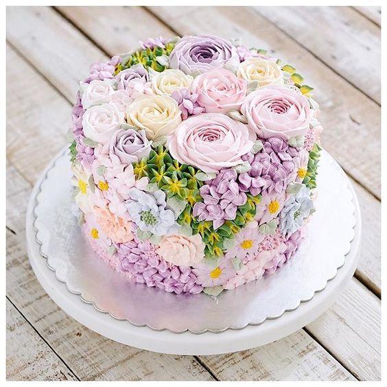 gateau de mariage paques fleurs