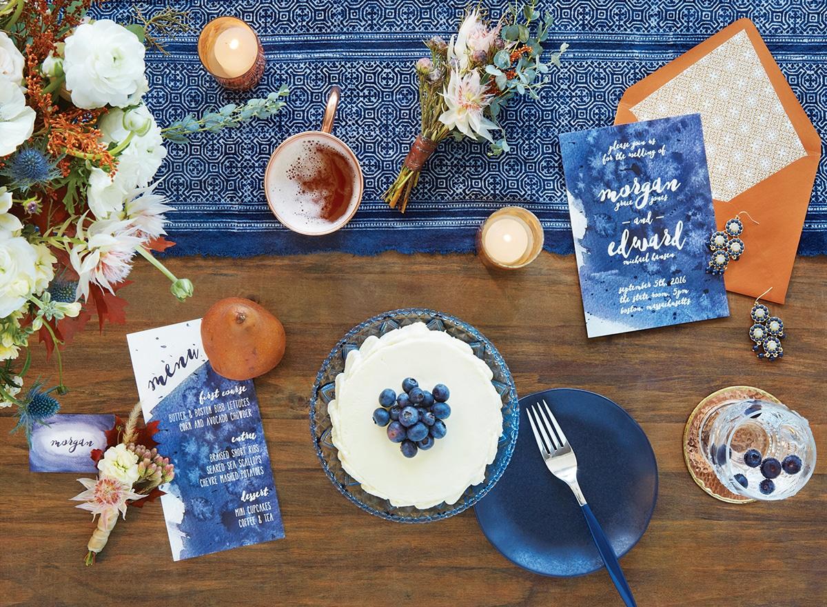au coeur dun mariage raffiné et moderne teinté de bleu indigo ...