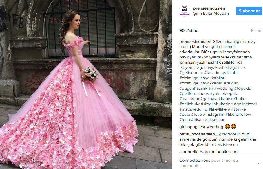 robe de mariee en fleurs