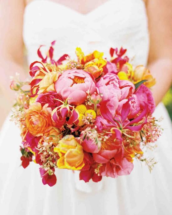 Pivoines, roses, lis