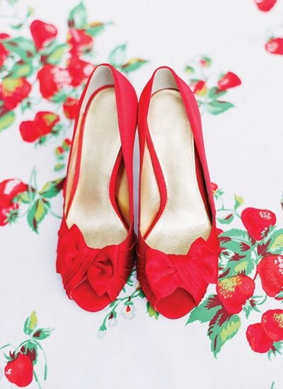 chaussure mariee rouge fraise