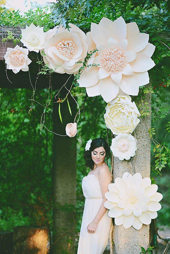 fleurs blanches décoration papier