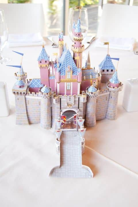 mariage theme disney centre de table chateau