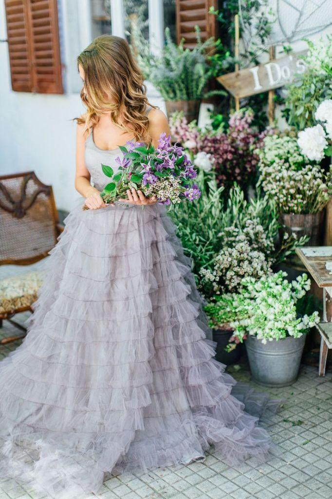 mariage au coeur d'un champ de lavande-robe