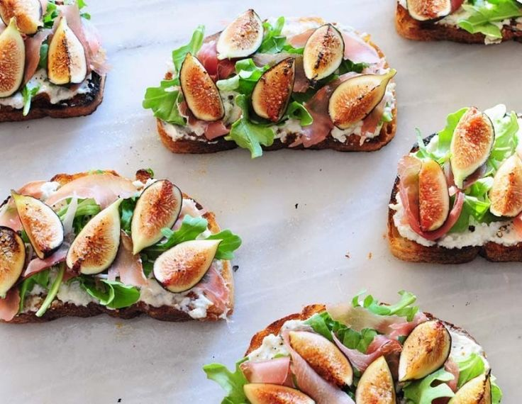 tartines figues jambons sec et fromage frais