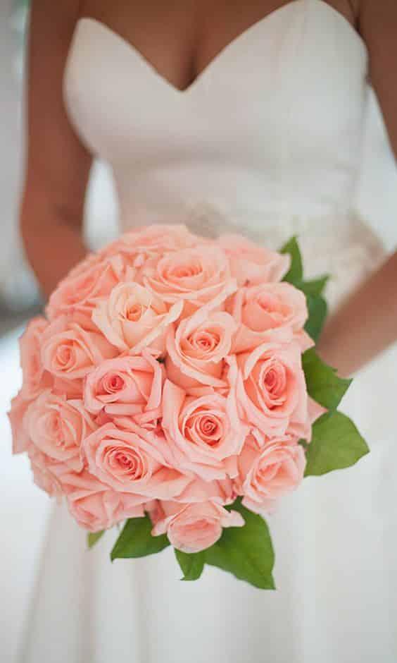 10 bouquets de mari e qui sentent d licieusement bon la rose. Black Bedroom Furniture Sets. Home Design Ideas