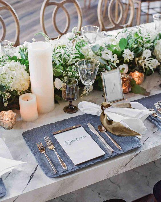 10 d corations de mariage qui vont vous faire aimer l 39 ardoise. Black Bedroom Furniture Sets. Home Design Ideas