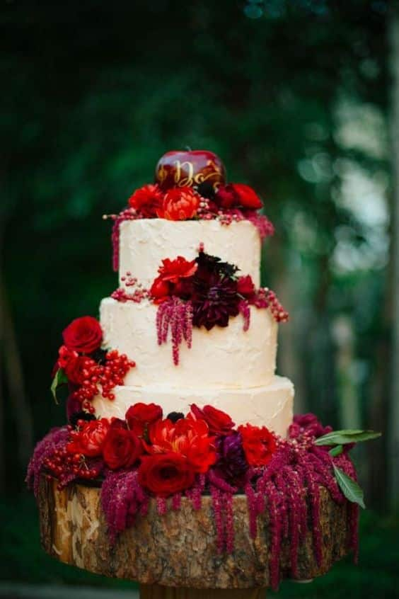 Wedding cake pomme rougeoyant
