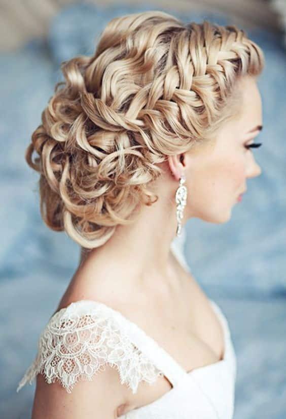 10 coiffures de mariée pour se transformer en princesse de