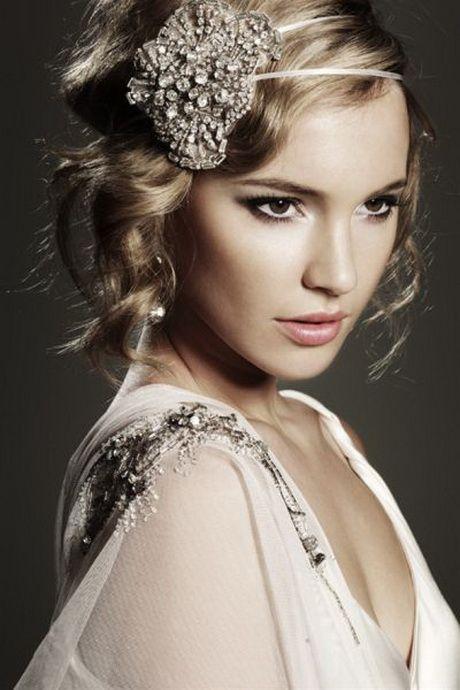 mariée cheveux courts blonds bouclés bijoux de tête