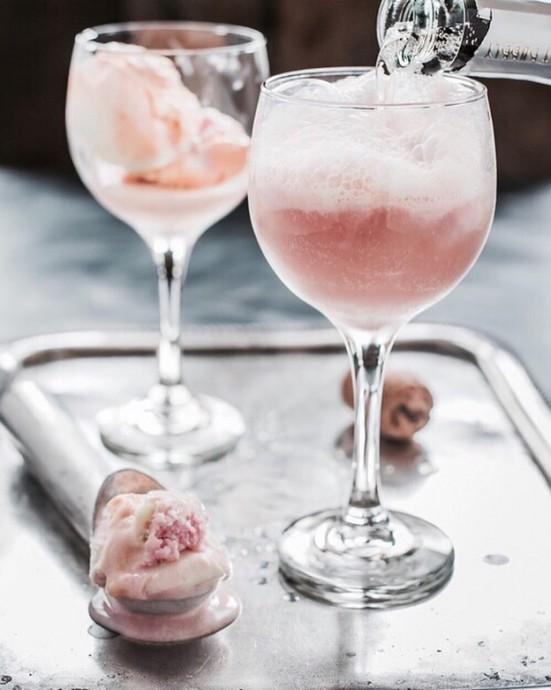 18 mani res de donner du pep 39 s aux coupes de champagne de for Cocktail au champagne