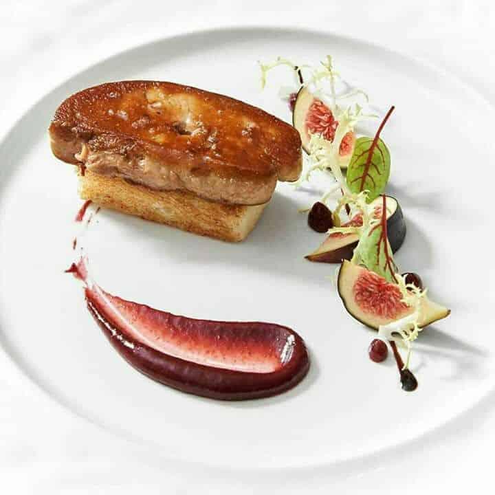 foie gras poele sur toast de pain d'epices et chutney de figues