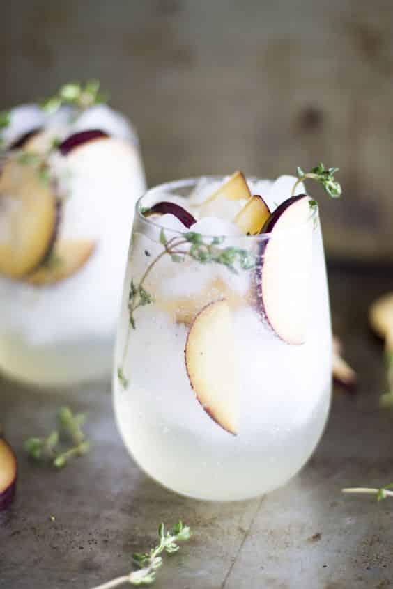 cocktail de mariage au prosecco-fruits