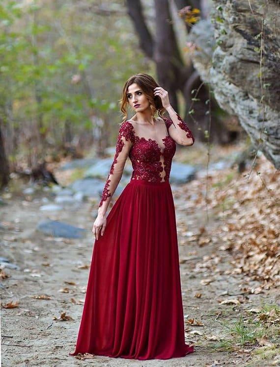 10 robes de mari e rouge passion pour un mariage esprit. Black Bedroom Furniture Sets. Home Design Ideas