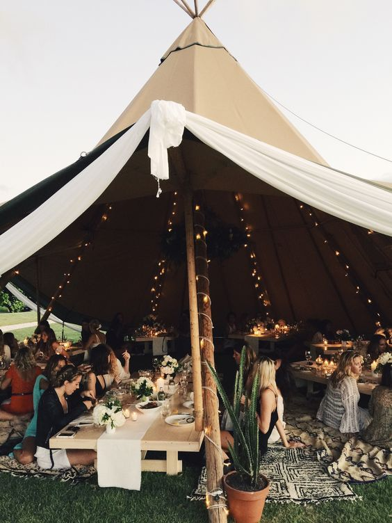 mariage peace and love-tipi-ouvert
