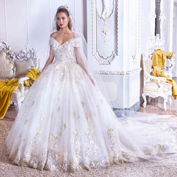 623d52827f6 ... Collection 2019   Voici LA robe de mariée de princesse par excellence