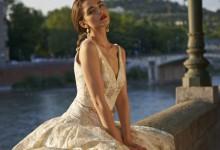 10 robes de mariée au décolleté en V pour donner du volume aux petites poitrines