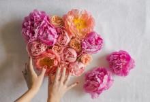DIY : des cœurs joliment fleuris pour décorer vos tables de mariage