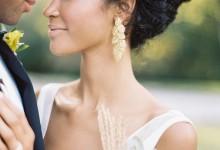 10 boucles d'oreilles XXL pour les mariées qui voient les choses en grand