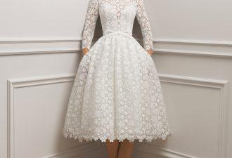 60af5810ea3 10 robes de mariée courtes tendance 2019 qui nous font succomber