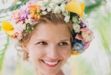 10 manières élégantes de fleurir sa coiffure de mariée