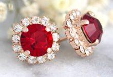 10 cadeaux de Saint-Valentin pour les mariées en quête d'un bijou rouge flamboyant