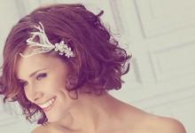 15 coiffures qui donneront le sourire aux mariées qui ont les cheveux courts