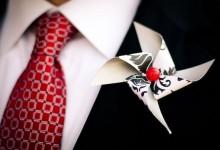 10 boutonnières originales pour un look de marié décalé