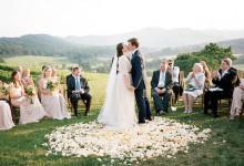 Organiser un mariage en extérieur : place à l'infographie qui saura vous guider