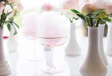 Tendance sucrée pour votre cocktail de mariage : zoom le champagne à la barbe à papa
