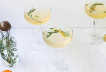 On dit oui au cocktail parfumé au romarin et à la clémentine pour un vin d'honneur pétillant !