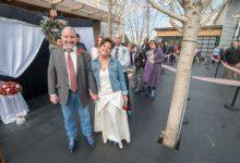 Pour la Saint-Valentin, ces couples se sont unis lors d'un mariage collectif à la patinoire
