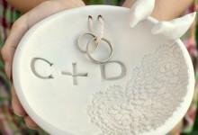 Comment fabriquer un porte-alliances romantique pour son mariage ?