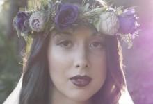 Bougies, dentelle et fleurs champêtres, découvrez un mariage onirique au cœur de la forêt