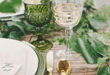Tendance 2019 : et si on craquait pour le «green friendly», pour décorer sa table de mariage ?