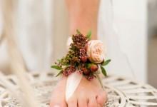 10 idées tendance 2018 pour habiller les chevilles des mariées qui diront «oui» pieds nus
