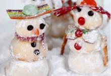 Vos copines ne feront qu'une bouchée de ces sablés en forme de bonhomme de neige