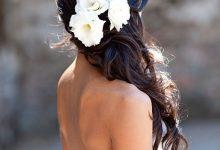 Side hair : pourquoi adopter cette jolie tendance coiffure pour son mariage ?
