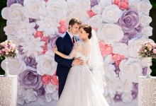 10 idées de décoration de mariage où les fleurs en papier font le show