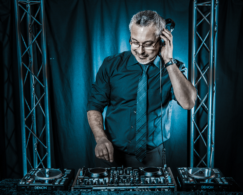 PHILIPPE DAY : DJ ET MAGICIEN