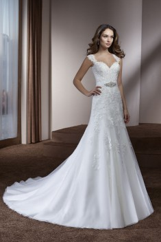 Robe de mariée 182-09 par Divina Sposa collection 2018