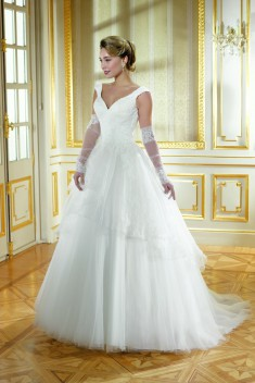 Robe de mariée 184-03 par Collector collection 2018