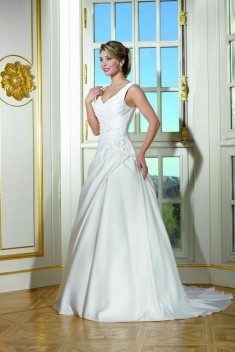 Robe de mariée 184-09 par Collector collection 2018