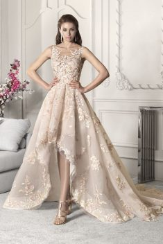 Robe Look 67 par Demetrios collection 2019