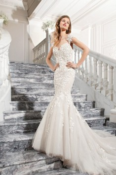 Robe de mariée Ref C209 par Demetrios collection 2015
