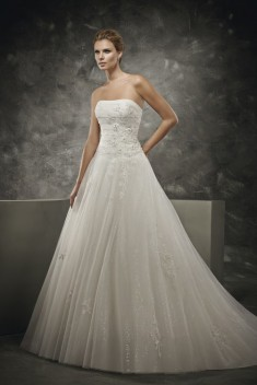 Robe de mariée DS 162 / 23 par Divina Sposa collection 2016