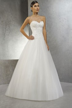 Robe de mariée Princesse par Empire du Mariage collection 2016