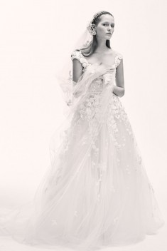 Robe de mariée Look 20 par Elie Saab collection 2017